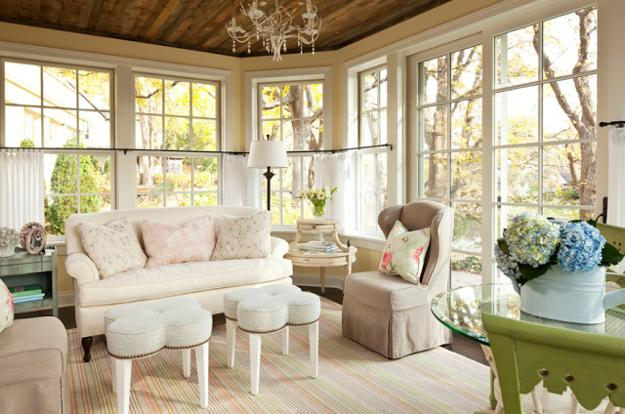 White Decorating Ideas, Antique Clocks And Crystal Chandelier, Shabby Chic Decorating  Ideas For Living Rooms