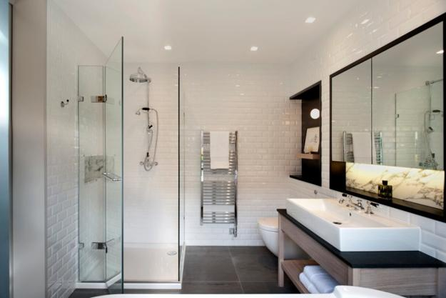 Large Wall Mirrors, Space Saving Shower Design And Contrasting Neutral  Colors, Striking Small Bathroom Remodeling Ideas