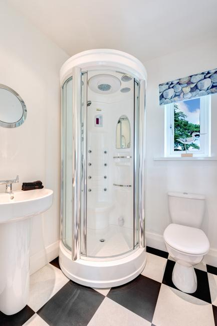 Small Bathroom Sink >> Small Bathroom Design Ideas and Home Staging Tips for Small Spaces
