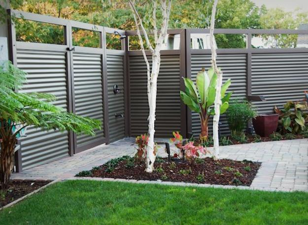 Horizontal Stripes And Simple Backyard Landscaping Ideas