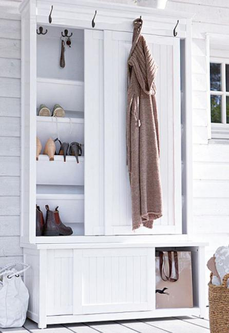 Entryway Design With Bench And Shelves For Shoe Storage