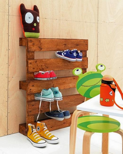 Recycling Wood Pallets For Wall Organizer And Kids Shoe Storage