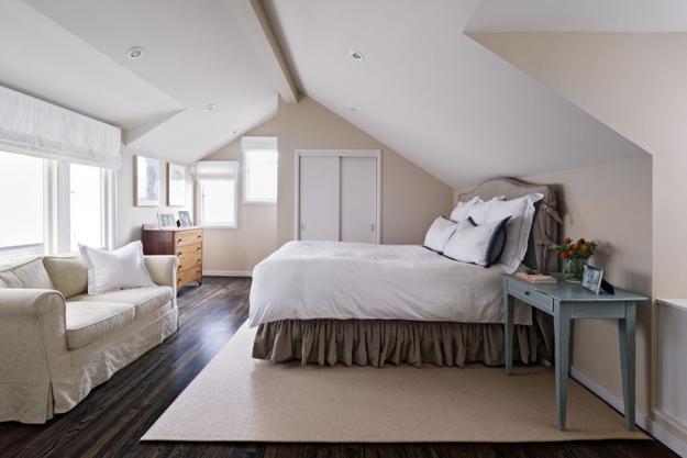 20 Attic Bedroom Designs Efficiently Utilizing Under Roof Spaces