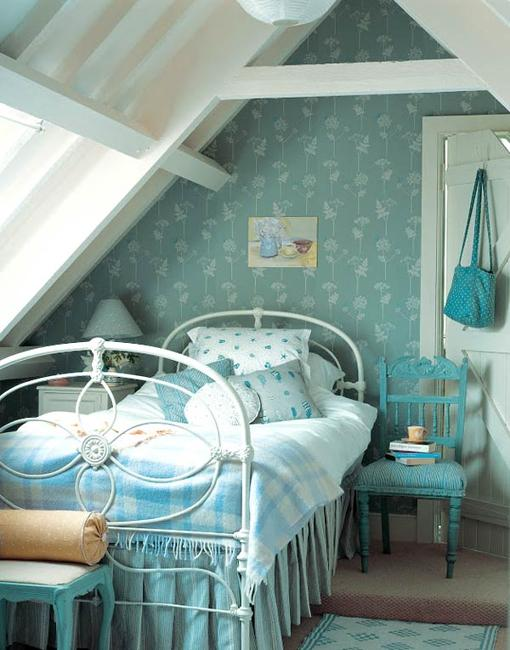 attic small bedroom design and decorating ideas
