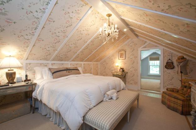 Space Saving Attic Bedroom Designs Adding Cozy European
