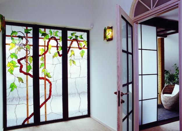 25 Modern Ideas To Use Stained Glass Designs For Home Decorating