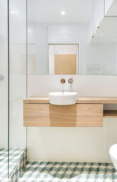 10 Latest Trends in Modern Tiles for Small Bathroom Design on Small Space Small Bathroom Tiles Design  id=86566