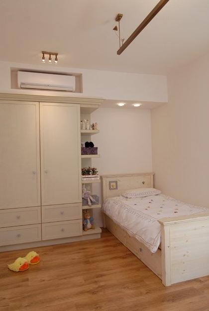 Designer Tips To Integrate Heat Pump And Air Conditioner Units With Existing Interior Design And