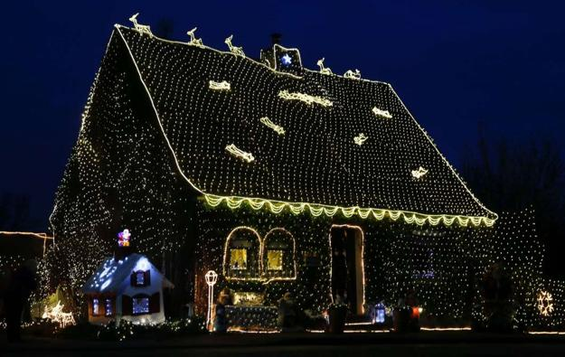 christmas decorating ideas with led lights