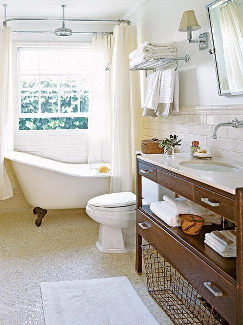 Functional bathroom storage ideas for small spaces for Bathroom shelving ideas for small spaces