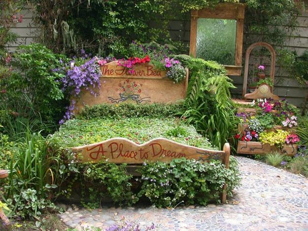 Unique Yard Decorations to Personalize Garden Design and ... on Unique Yard Decorations id=40891