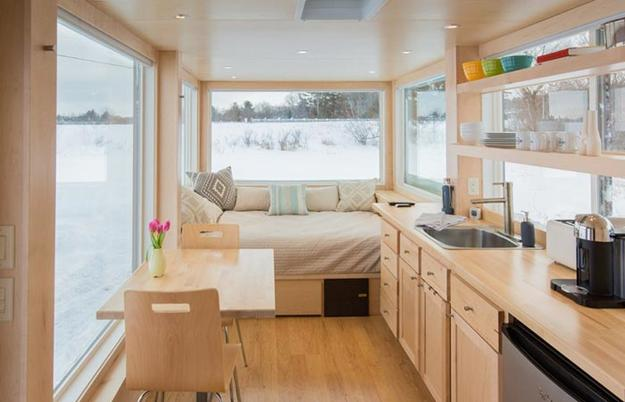 small modern houses on wheels
