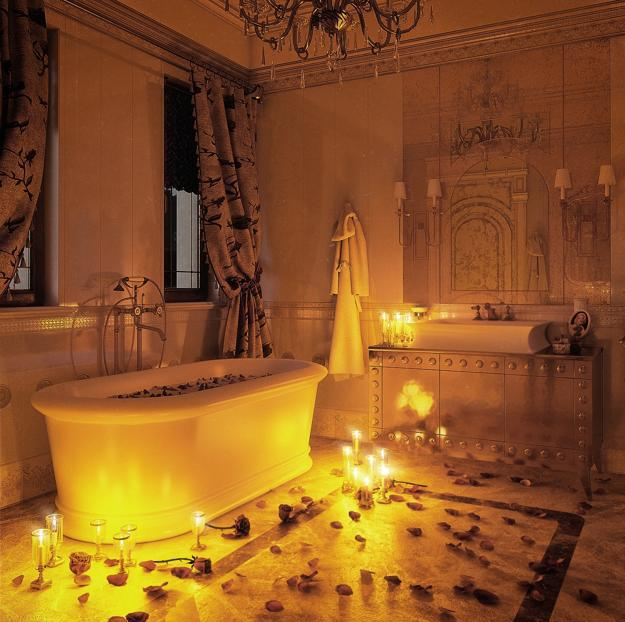 22 Sensual Valentines Day Ideas  Romantic Bathroom And Tub Decorating