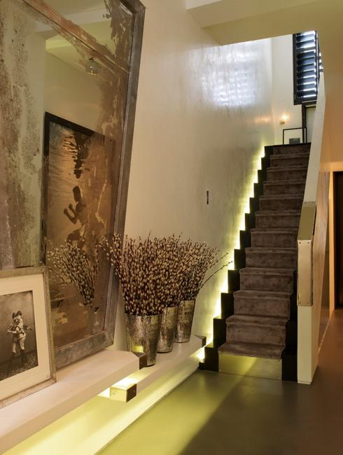 Creative And Modern Lighting Ideas For Staircase Design