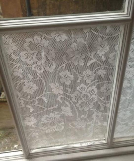 Decorative Accents For Window Glass Adding Privacy To Modern Home Interiors