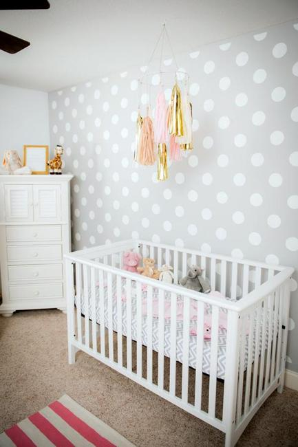 Modern Wallpaper Pattern For Nursery Decor Polka Dots In White And Light Gray Color