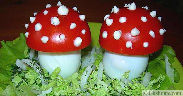 mushrooms made with eggs and tomatoes