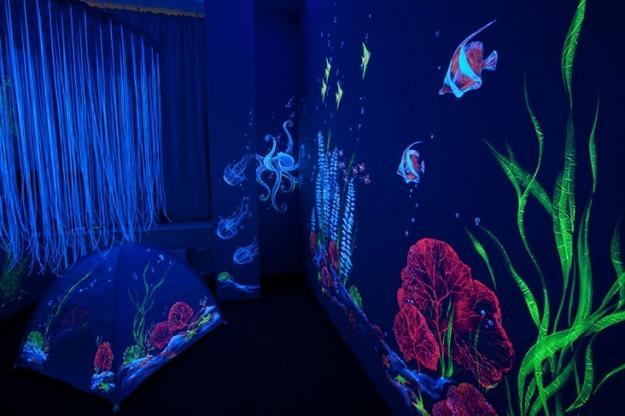 Luminous Murals Adding Mystery And Originality To Modern