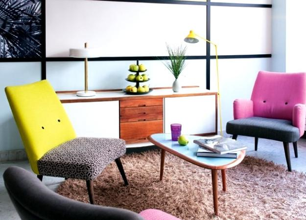 Living Room Decorating In Retro Style