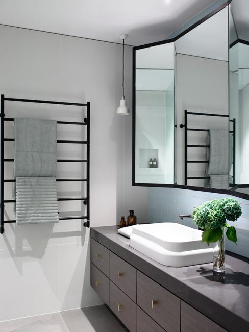 6 Design Trends Creating Modern Bathroom Interiors in ...