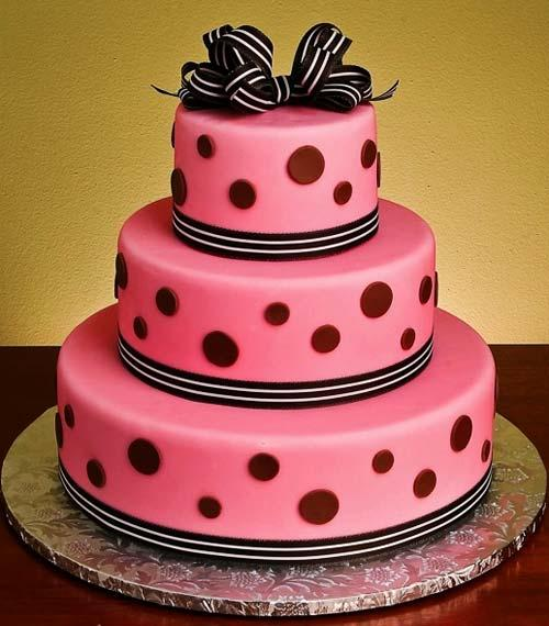 Red And Black Wedding Cakes Ideas: Playful Dots And Creative Food Design Ideas