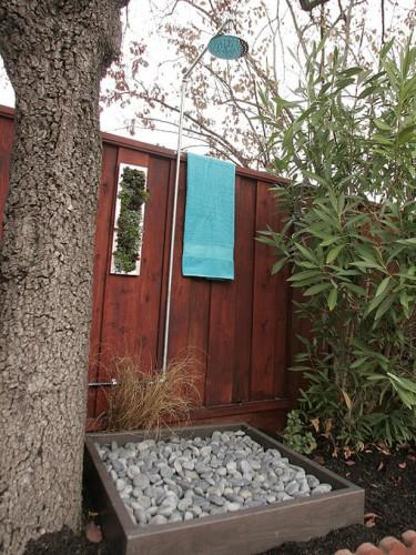 Outside Easter Decorations: 25 Outdoor Shower Designs Adding Fashion And Flair To
