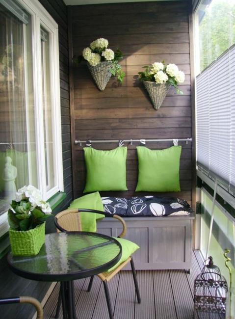 Natural Brown And Green Color Hues For Balcony Decorating In Eco Style