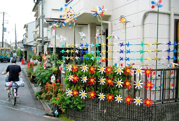 Recycling Plastic Bottles For Art Installations And Yard Decorations