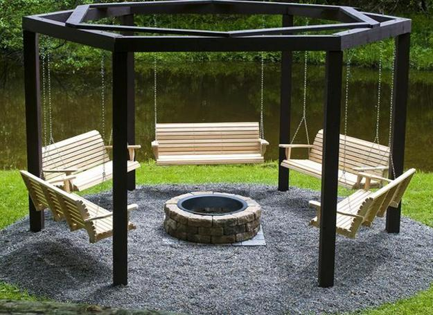 Charmant Fire Pit And Five Swing Benches