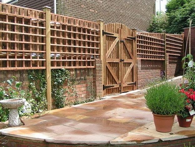 Beautiful Fence Designs Blending Various Materials For