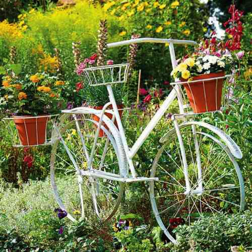 Beautiful Flower Stands Bringing Memories Of Romantic Bike