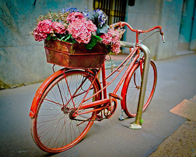 Bright Paint For Decorating Old Bikes And Recycling Frames