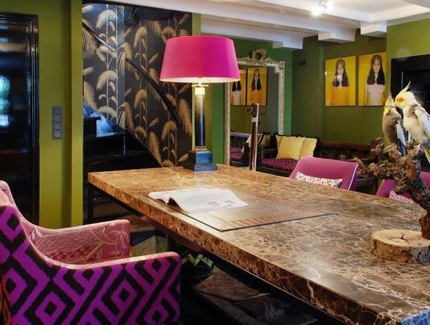 interior decorating in green and pink