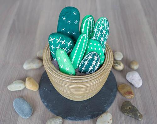 Dazzling Garden Decorations And Handmade Gifts Of Painted