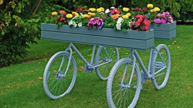 Artistic Ideas To Recycle Old Bicycles For Whimsical And