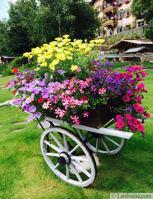 Vintage Garden Cart Stand For Decorating With Flowers