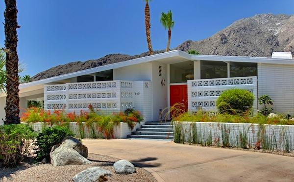 palm-springs-californian-homes-1 Palm Springs Mid Century House Designs on seattle mid century houses, palm springs condos, palm springs ranch houses, palm springs california, palm springs historical sites, palm springs modern houses, palm springs modernism architecture, palm springs landscaping ideas, california mid century houses, modern california ranch houses, lexington mid century houses, palm springs famous houses, palm springs midcentury modern,