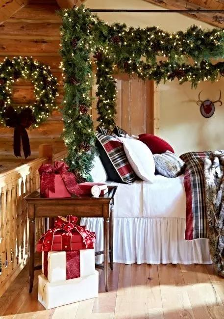 bedroom decorating with christmas garlands