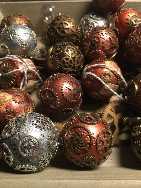 christmas balls with metal accents - Metal Christmas Decorations