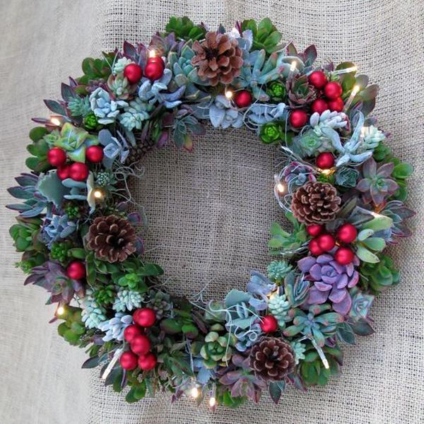 Cactus Decorated For Christmas: 20 Stylish Ideas For Live Succulent Wreaths Accentuating