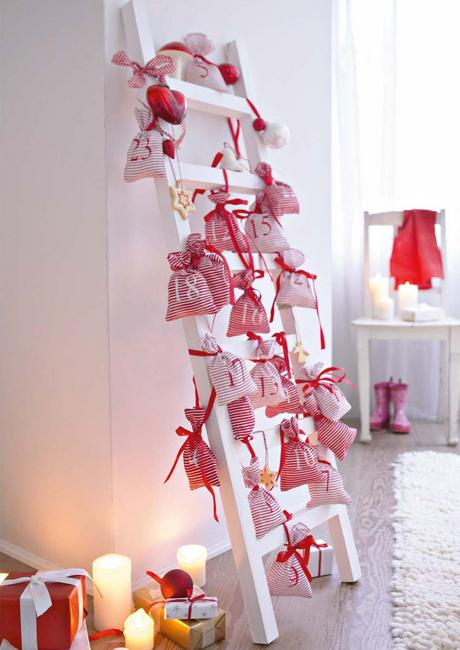 Christmas Decorating Ideas For Old Wooden Ladders Beautiful Holiday Decorations