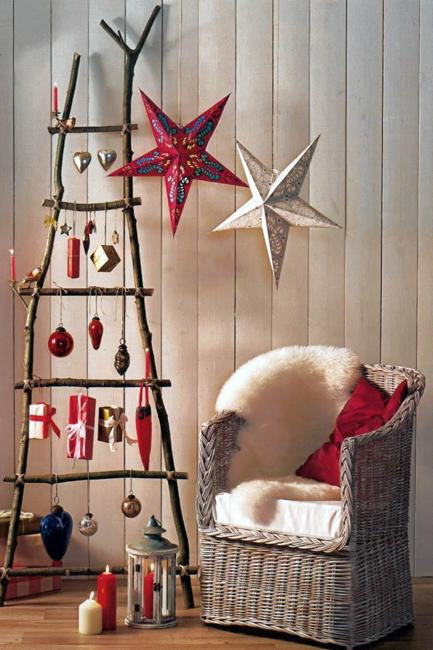 Christmas Decorating Ideas For Old Wooden Ladders