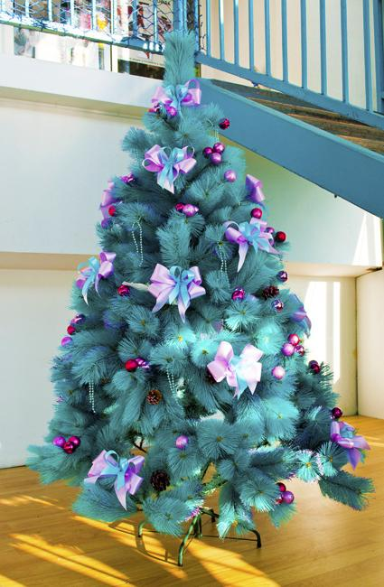 Turquoise Christmas Tree.Modern Ideas And Design Styles For Christmas Tree Decorating