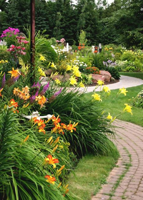 curvy garden path