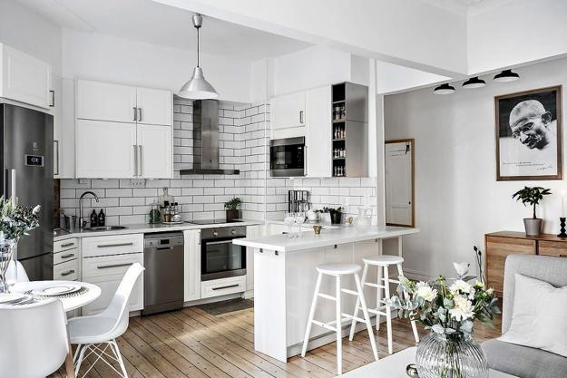 Black And White Kitchen Colors Beautifully Balanced