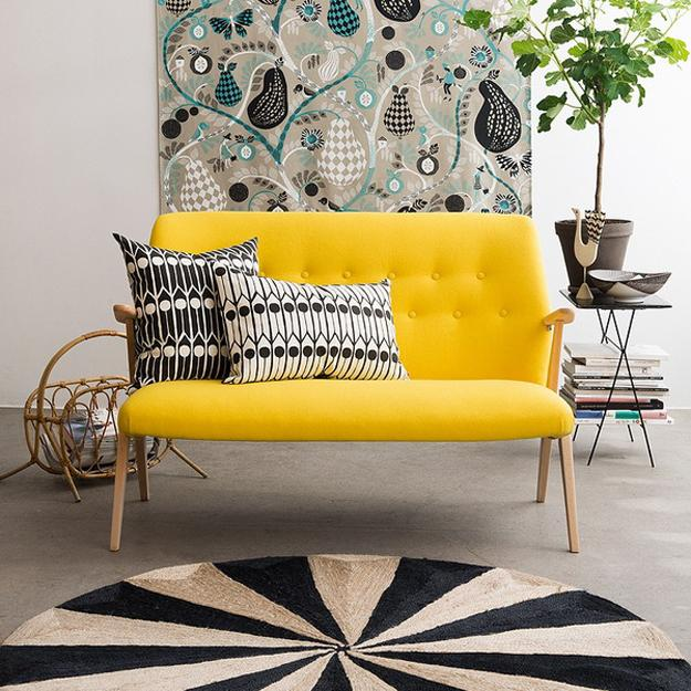 15 Peaceful Asian Living Room Interiors Designed For Comfort: How Home Staging Eliminates Things That Stress You Out At Home