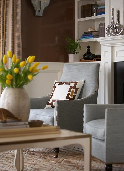 living room design in neutral colors