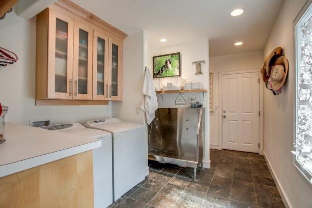 Mudroom Designs With Dog Showers Modern Ideas Diy Inspirations