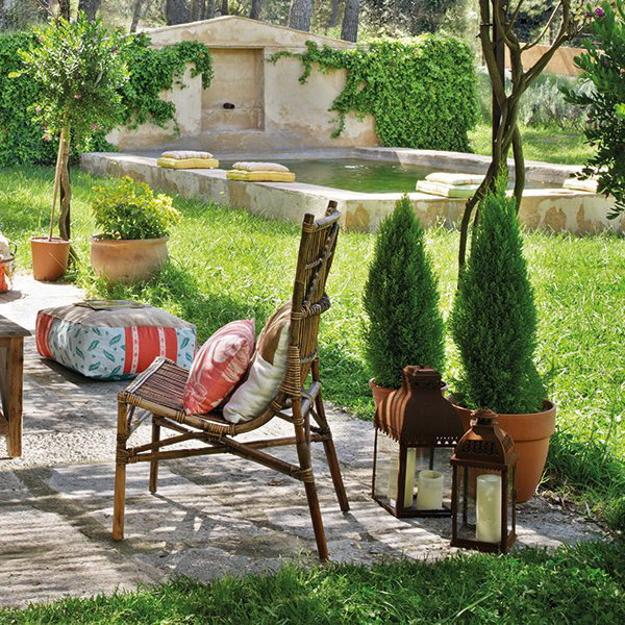 outdoor furniture and planters