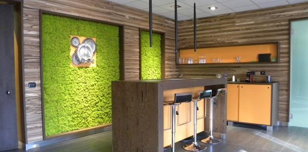 stunning modern living room accent wall | Benefits of Accent Wall Design with Moss, Stunning Green ...